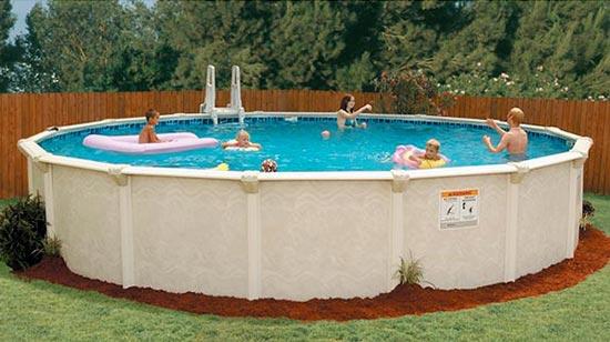 piscina sin cubierta con escaleras